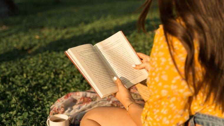 本を読むと別のことを考え始めてしまう